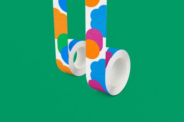 Kleurrijke washi tape op groene achtergrond