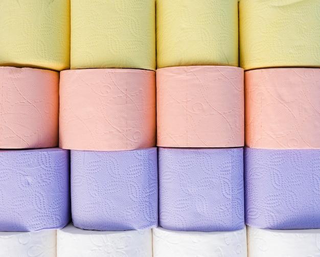 Kleurrijke wc-papier rollen