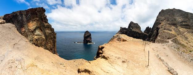 Kliffen in de zee
