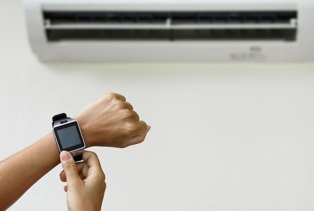 Klimaatregeling met een smartwatch