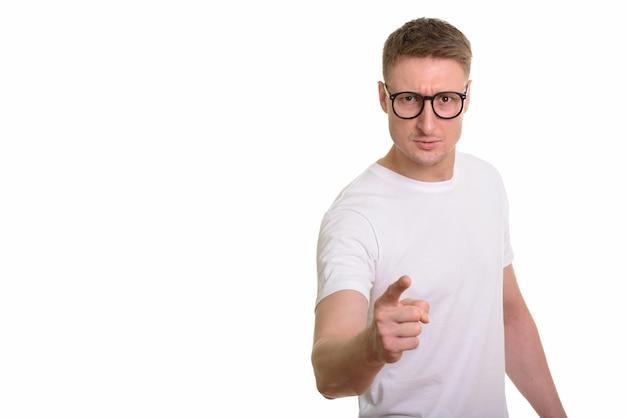 Knappe blanke man geïsoleerd op wit