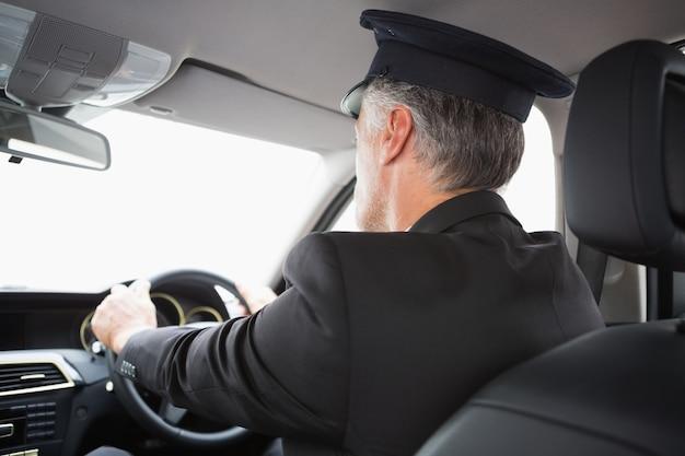 Knappe chauffeur