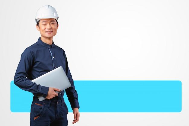 Knappe jonge aziatische man architect