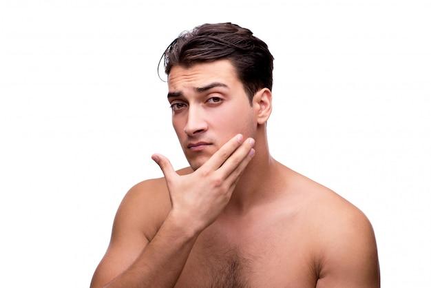 Knappe mens na geïsoleerde douche