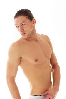 Knappe shirtless man