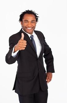 Knappe zakenman met duim omhoog