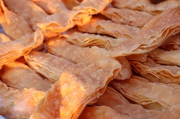 Knapperige roti in straatvoedsel
