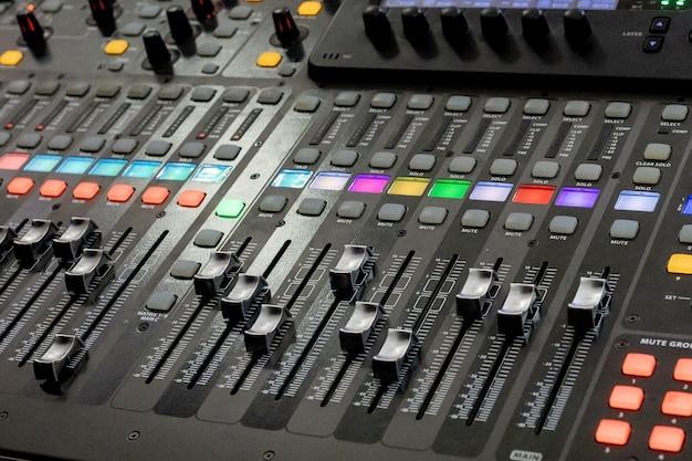 Knoppen apparatuur voor geluid mixer controle, apparatuur voor geluid mixer controle, electornisch apparaat
