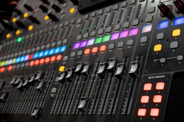 Knoppen apparatuur voor sound mixer controle, apparatuur voor sound mixer controle, electornic apparaat