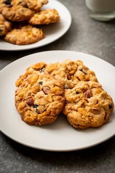 Koekjes met cornflake rozijn en amandelen
