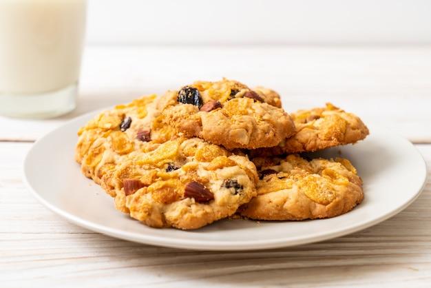 Koekjes met cornflake rozijnen en amandelen