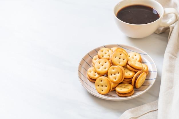 Koekjes met kopje koffie Premium Foto