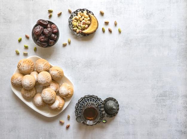 Koekjes van el fitr islamic feast. ramadan snoepjes. egyptische koekjes