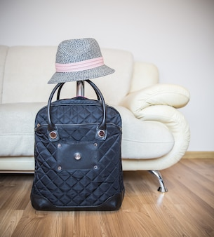 Koffer en hoed