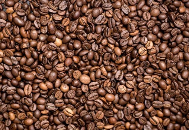 Koffie achtergrond. gebrande koffiebonen