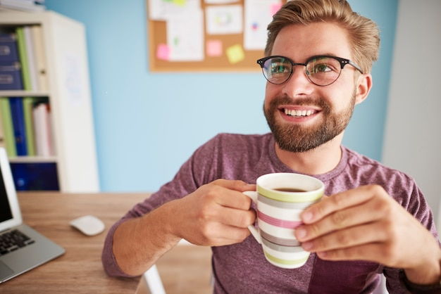 Koffie drinken en met iemand praten