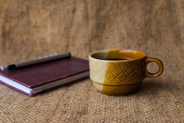 Koffie en laptop