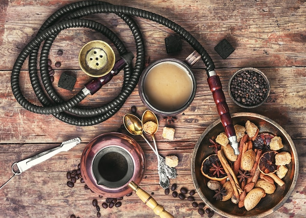 Koffie en waterpijp