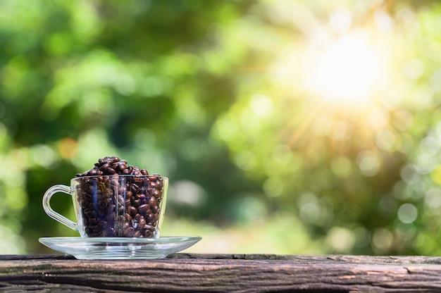 Koffie-energieboostconcept om werk te vinden