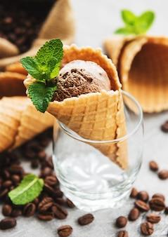 Koffie-ijs