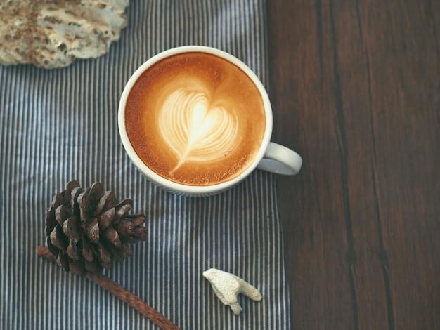 Koffie kunst op de tafel