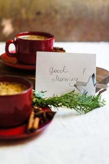 Koffie met kruiden voor een goede morgen