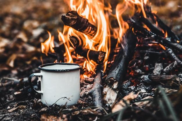 Koffie zetten op de brandstapel