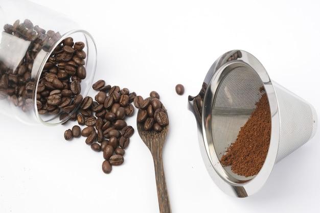 Koffiebonen en gemalen koffie