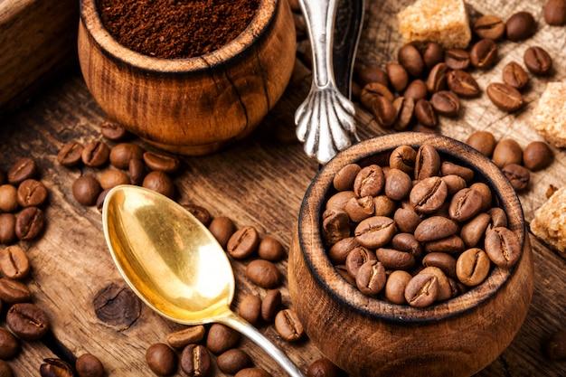 Koffiebonen en gemalen