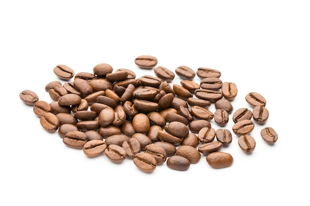 Koffiebonen geïsoleerd op wit, close-up, macro