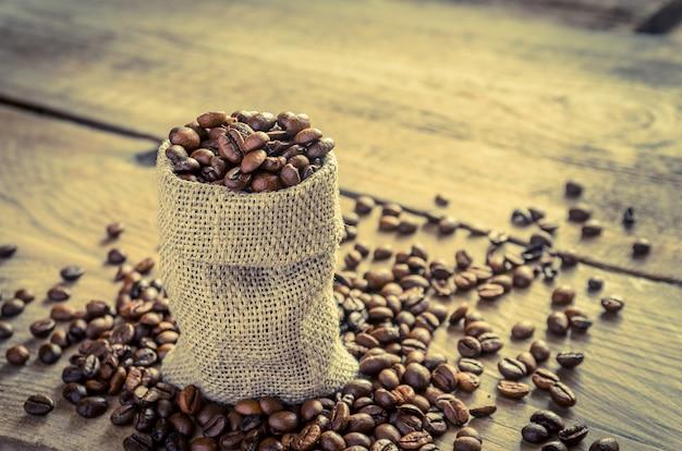 Koffiebonen in de zak zak