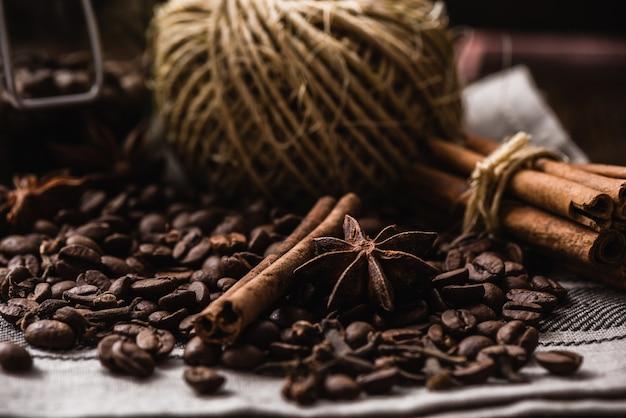 Koffiebonen met kruiden