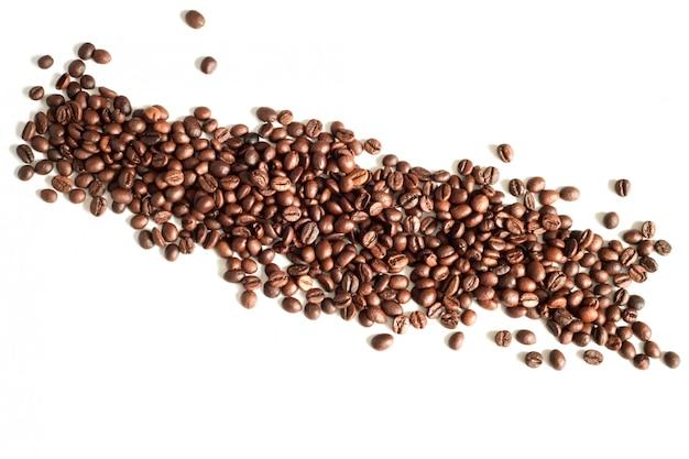 Koffiebonen op witte hoogste mening die als achtergrond worden geïsoleerd, exemplaarruimte