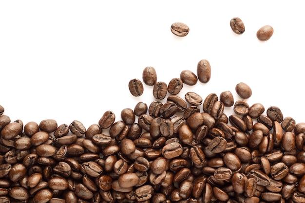 Koffieboon op witte achtergrond