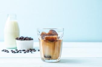 Koffieijsblokjes met melk