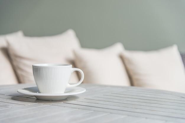 Koffiekopje buiten Gratis Foto
