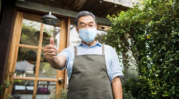 Koffieshop in covid 19 nieuwe normale, coronavirus-pandemie