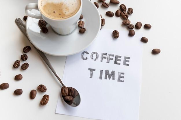 Koffietijd geschreven op papier