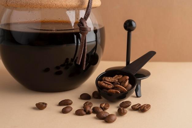 Koffiezetapparaat machine op tafel