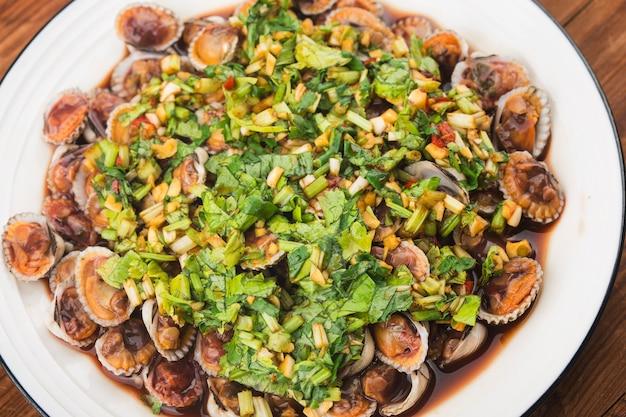Kokkelschotel met sojasauskruiden