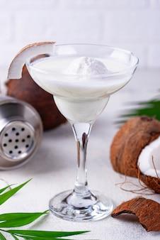 Kokos cocktail met ijs