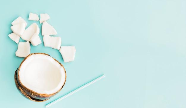 Kokos pulp en drink stro