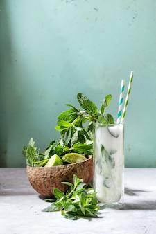 Kokosnoot mojito cocktail