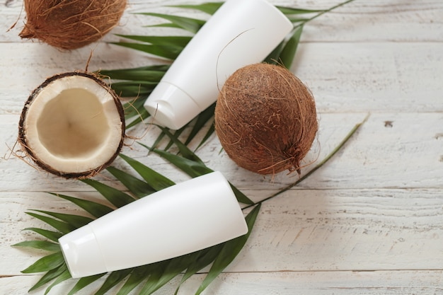 Kokosnootolie. biologische cosmetica met kokosolie