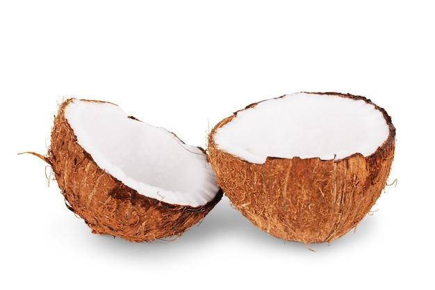 Kokosnoten geïsoleerd op de witte achtergrond