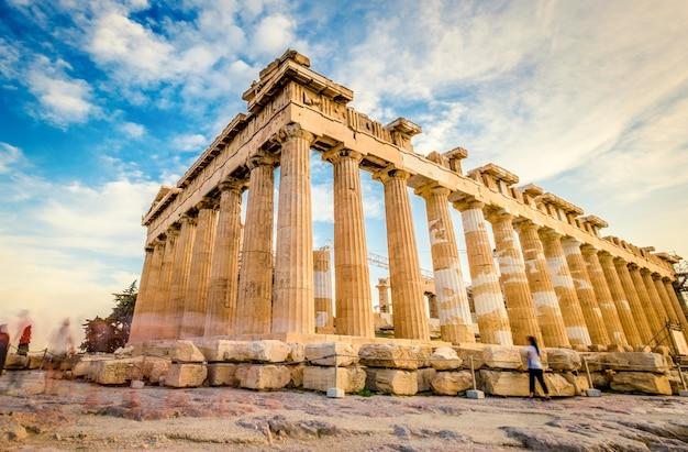 Kolommen van het parthenon bij zonsondergang akropolis athene