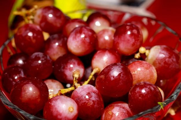 Kom met druiven