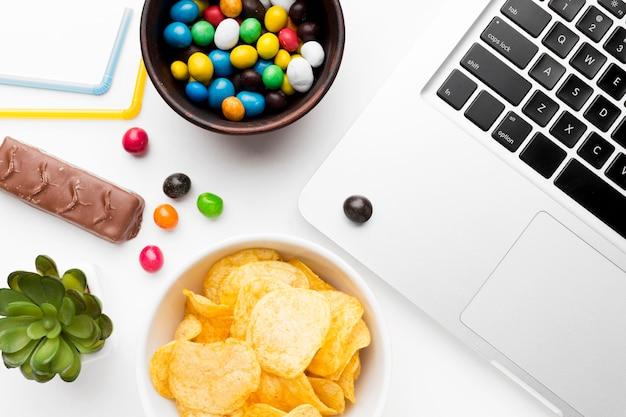Kom met ongezonde snacks