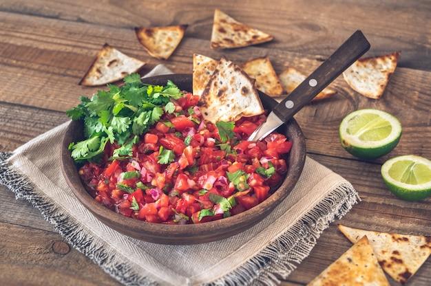 Kom salsa - beroemde mexicaanse saus
