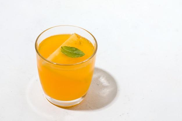 Kombucha gefermenteerde drank.